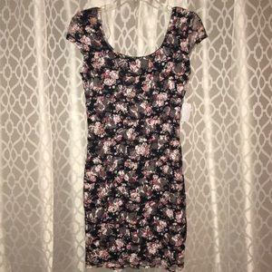 NWT FLOWERED DRESS